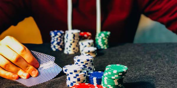 Kaip išgyventi gilius pokerio kaminus